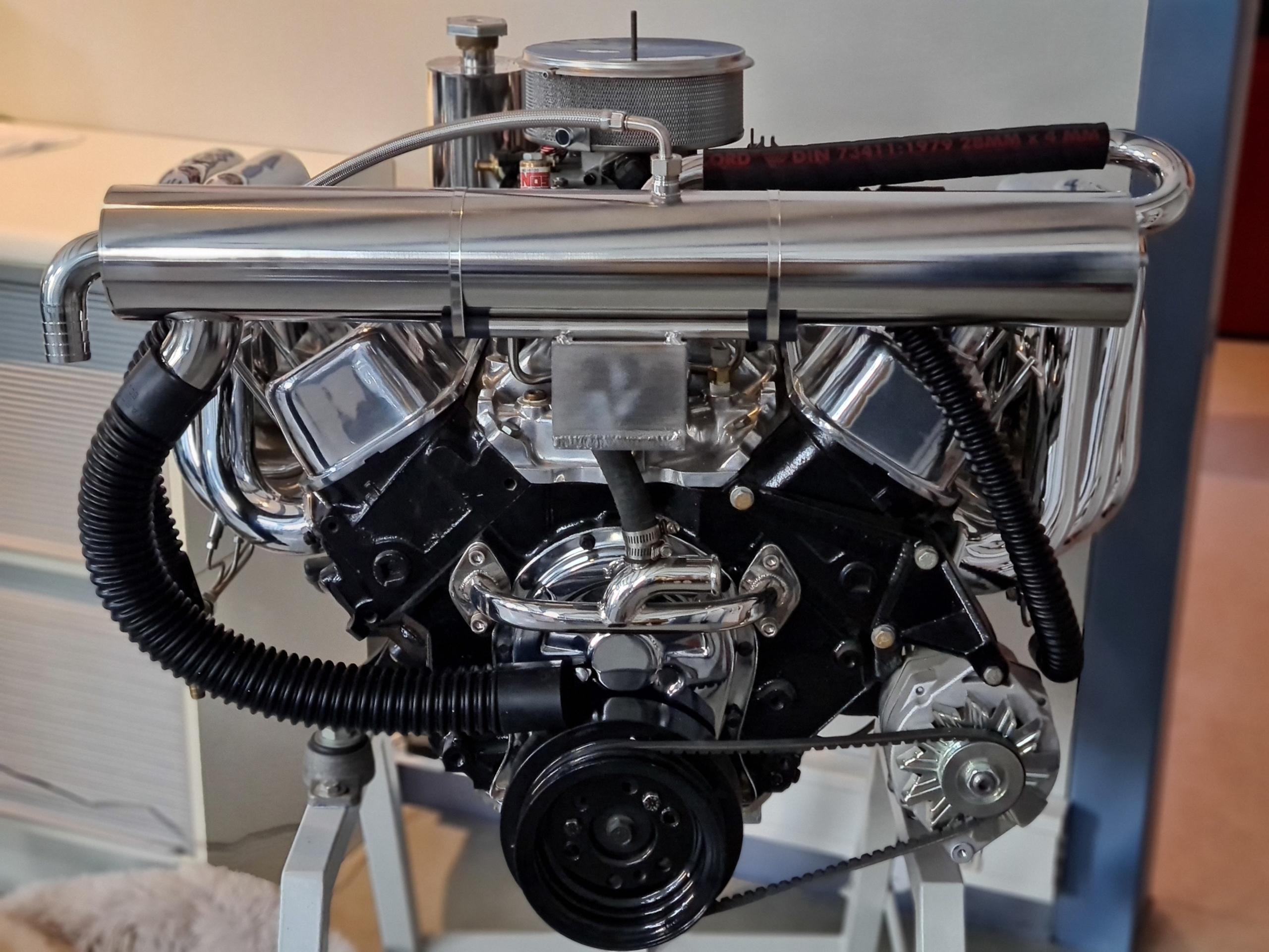 Bootsmotor mit Eigenentwicklung Kühlsystem-Boats Team